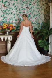 Ivory & Co Wedding Dress Moon Lily