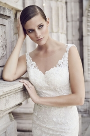Paloma Blanca Wedding Dress 4561