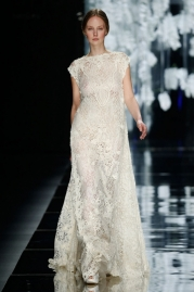Yolan Cris Amposta Wedding Dress