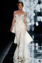 Yolan Cris Verneda Wedding Dress
